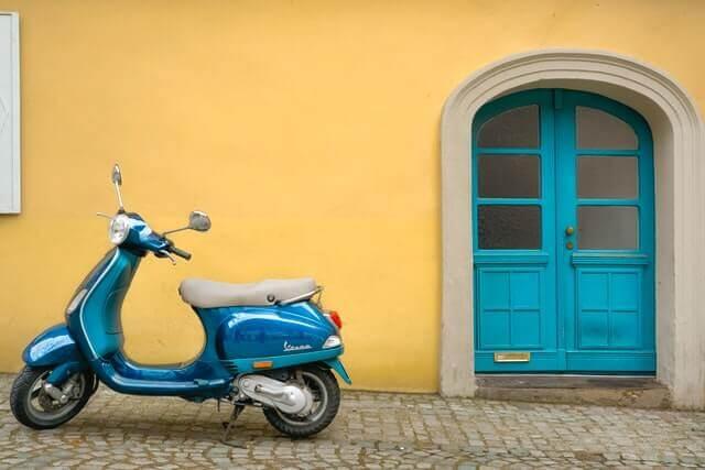 vespa scooter transport